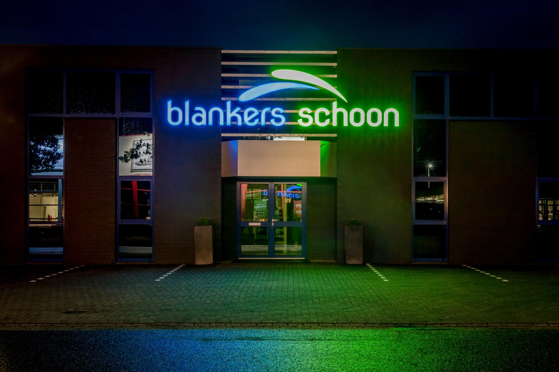 Lichtreclame uitgevoerd in doosletters - Blankers Schoon, Weert